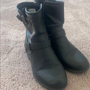 Women's Bongo boots size 8.5